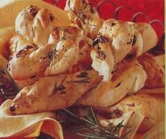 treccine di pane all'uvetta,treccine di pane,pane,pane all'uvetta,treccia di pane fatto in casa,