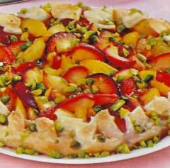 Crostata Sfogliata di prugne e pistacchi.jpg