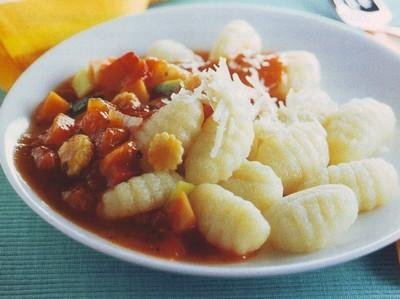 Gnocchi di patate con salsa di verdure