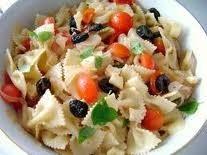 insalata di pasta agli aromi,insalata di pasta,insalata,pomodori,piselli,capperi,