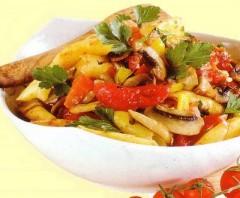 maccheroni funghi e peperoni,pasta con i funghi,pasta funghi e peperoni,pomodori,pancetta,primi piatti,ricetta primi piatti,