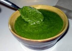 pesto alla genovese,condimento pesto genovese,ricetta pesto fatto in casa,ricetta,ricette di cucina,aglio,basilico,