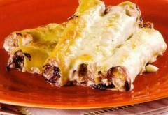 Cannelloni radicchio e salsiccia