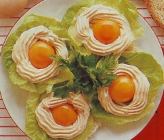 uova con crema salmone.jpg